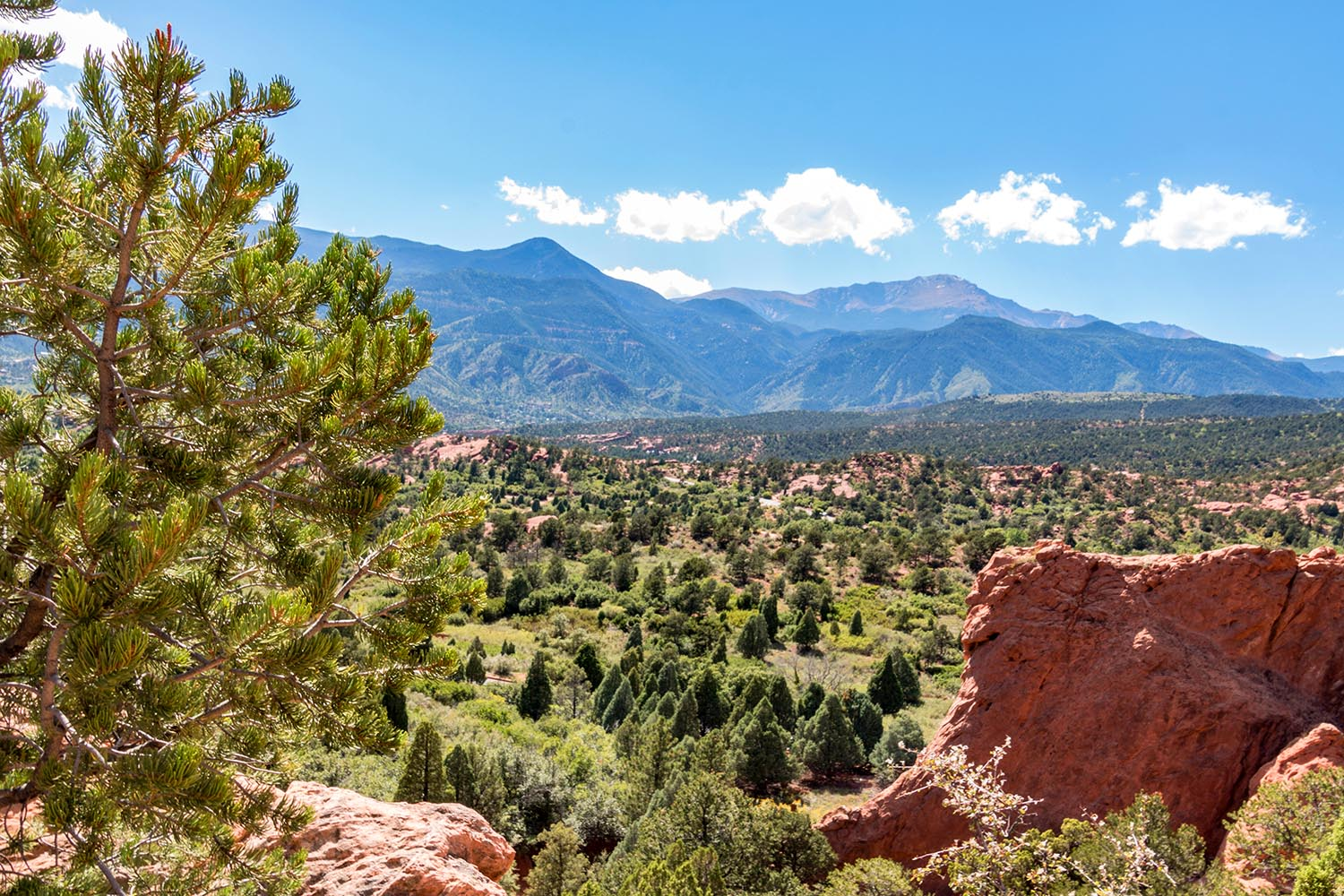 a-gorgeous-view-of-the-rocky-mountains-from-the-garden-of-the-gods
